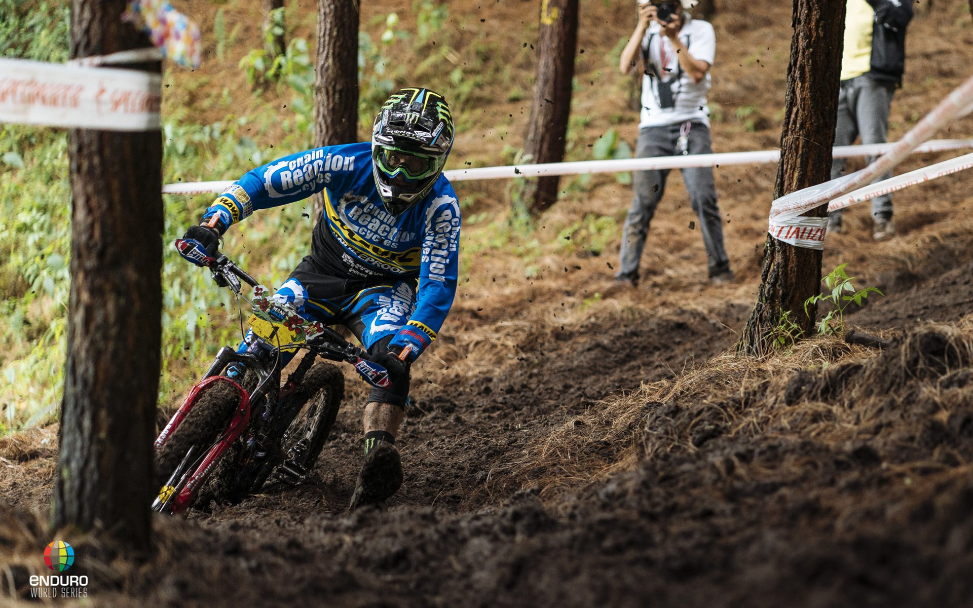 Sam Hill in Manizales, Colombia