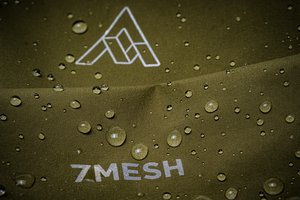 7mesh_Guardian Jacket water beads.jpg