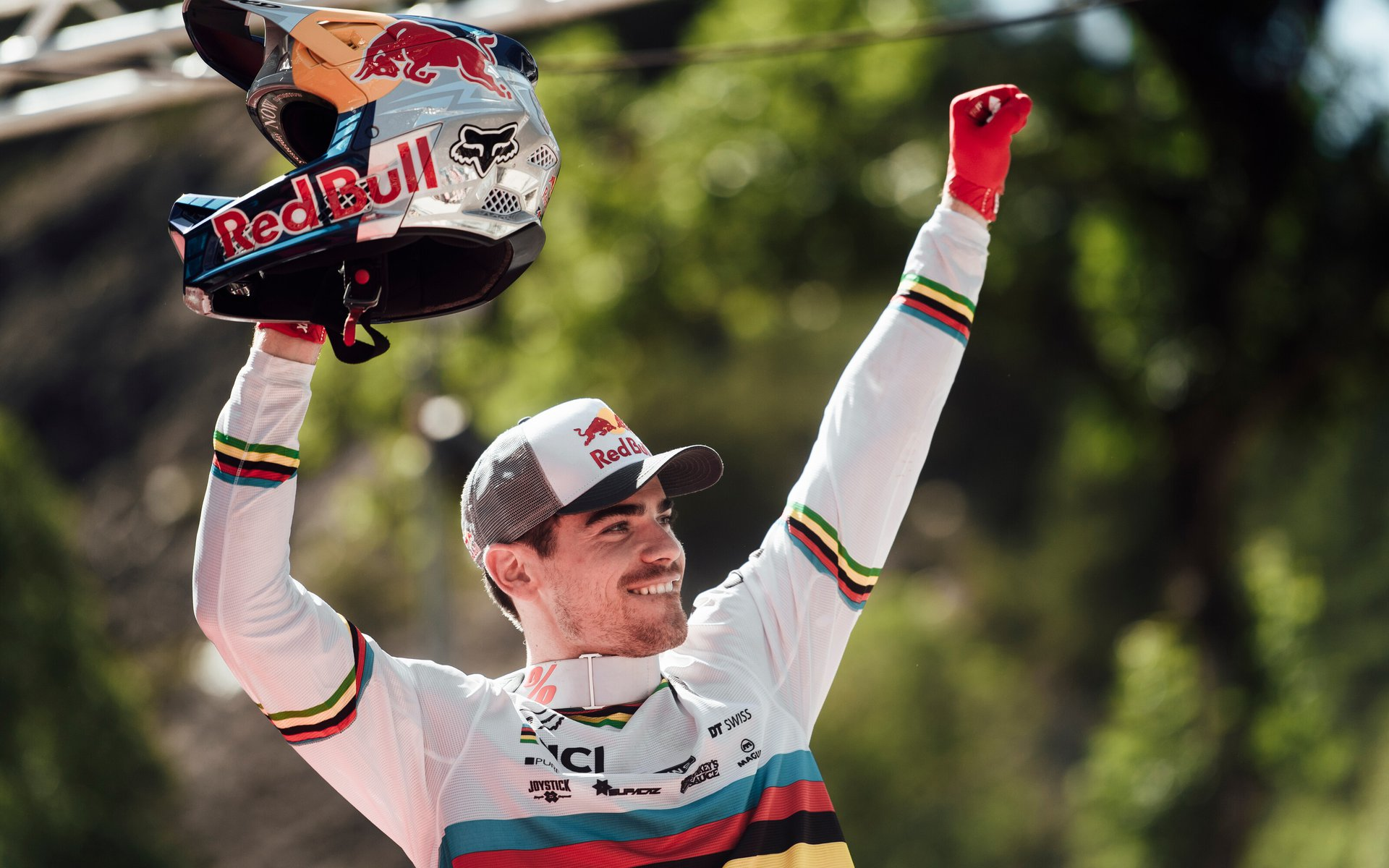 Loic Bruni wins Vallnord DH World Cup 2019