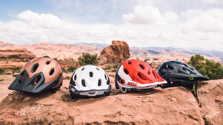 Bell-Super-DH-MTB-Helmet-Colorways.jpg