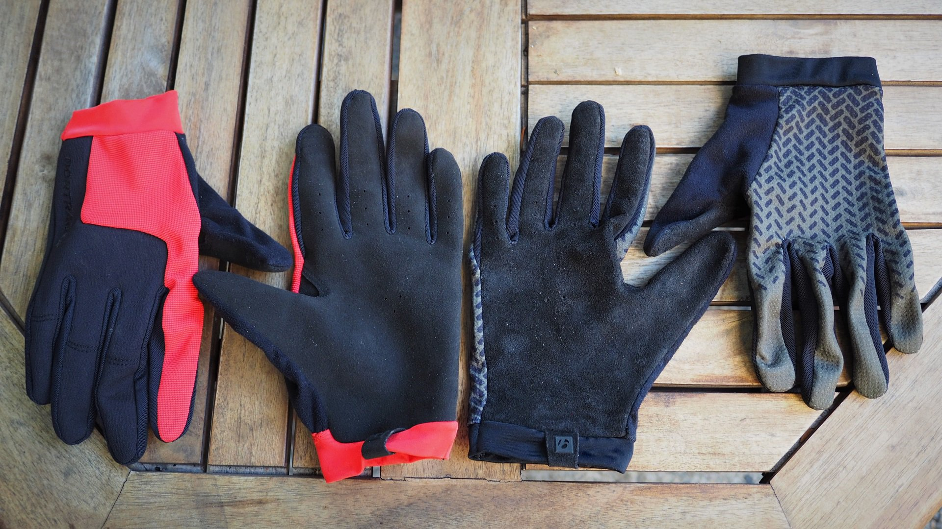 Bontrager Evoke VS. Rhythm Gloves