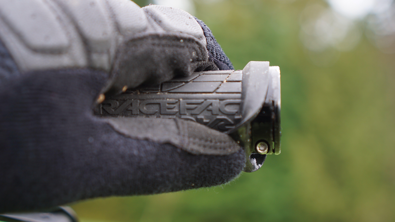 Black 30mm Race Face Grippler Lock-On Grips,