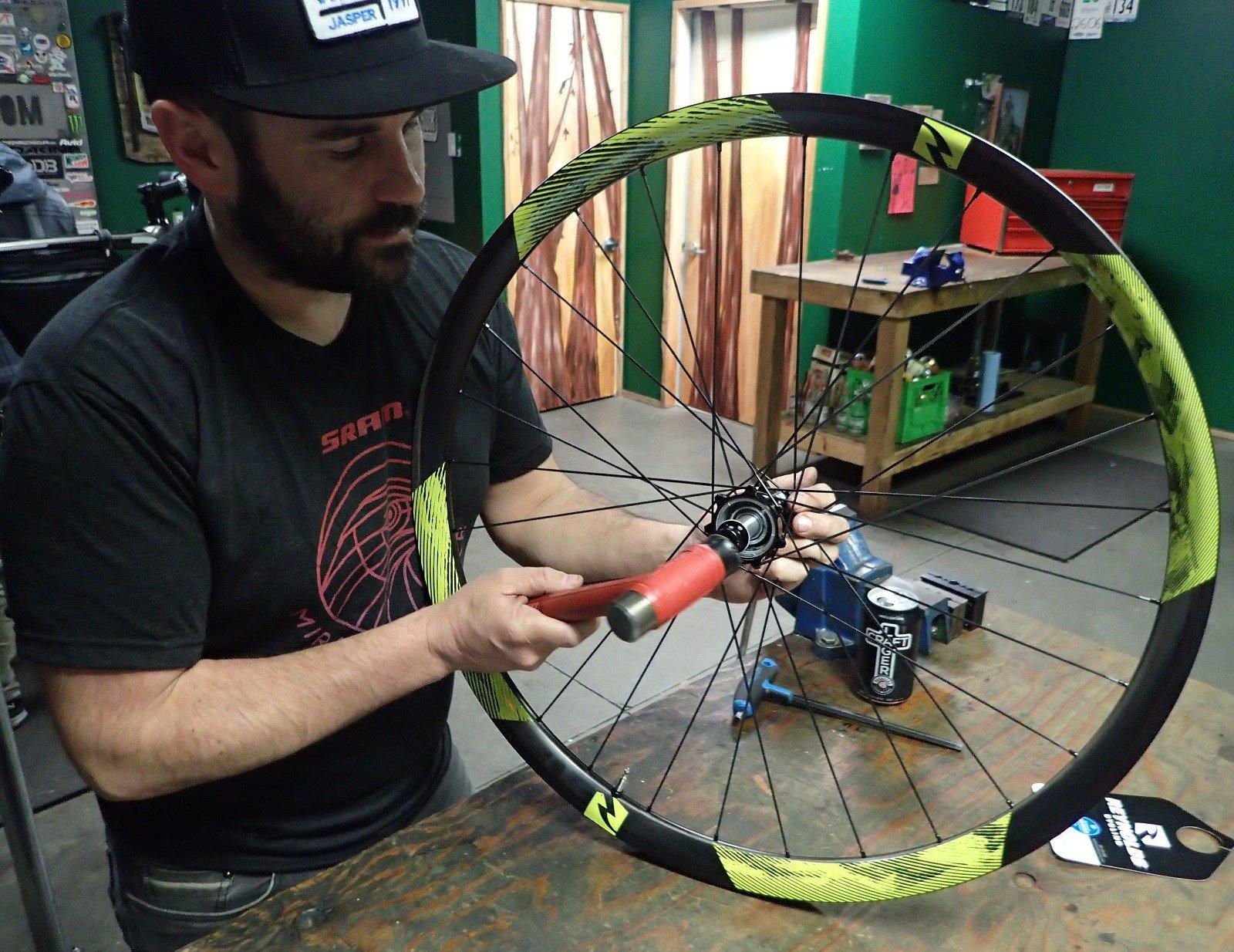 DVO Edition Intense Recluse/Intense Brand Carbon Wheels