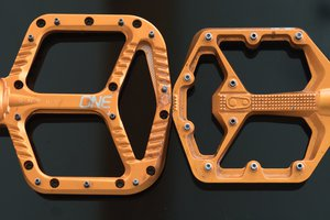 crankbrothers_stamp7-vs-oneup-al.jpg