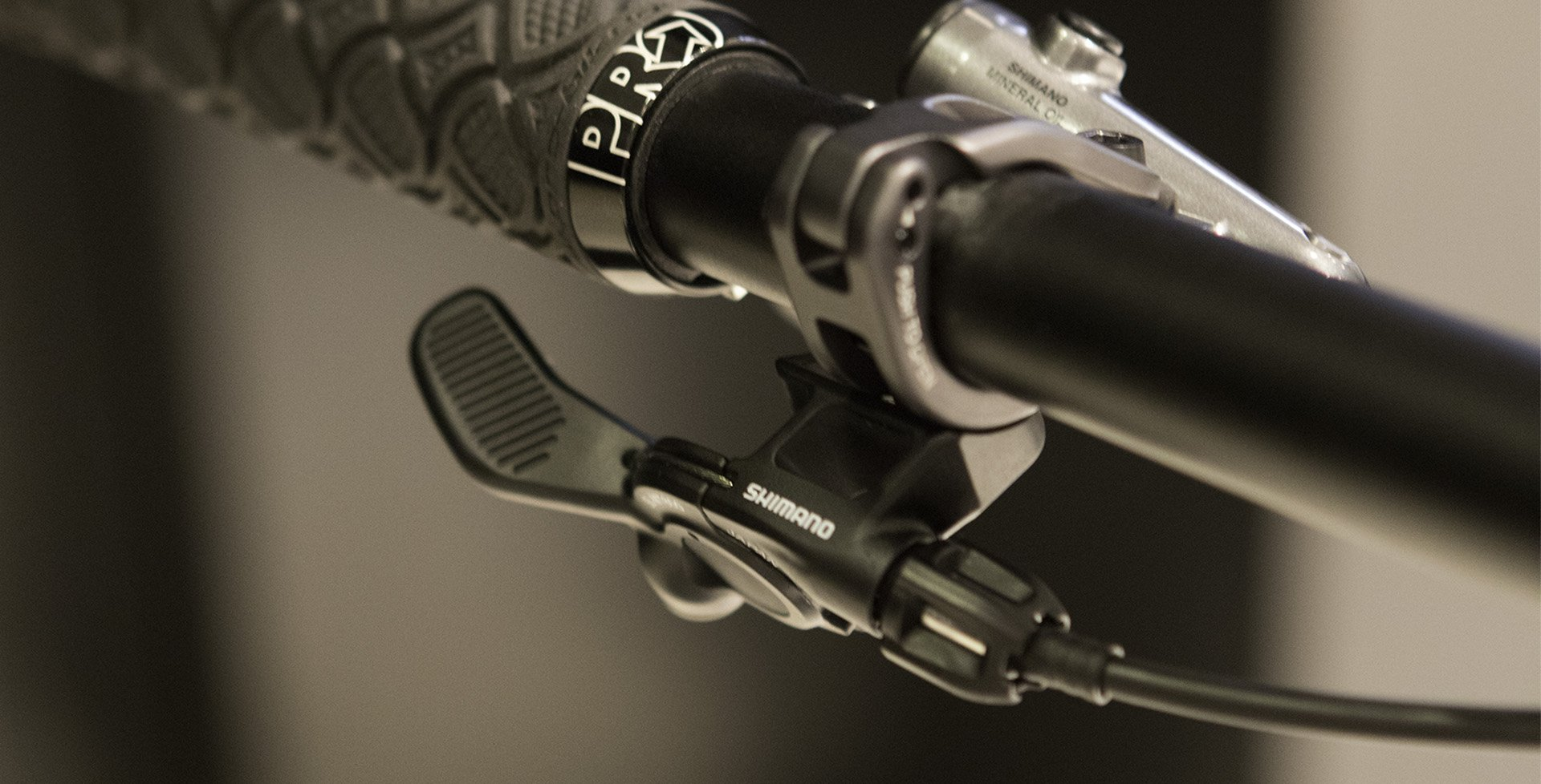 XTR Dropper Remote mounted