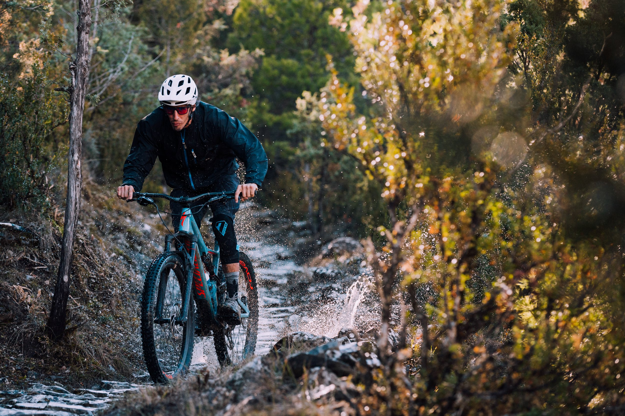 AJ Barlas riding the 2018 Specialized Stumpjumper 29 in Spain