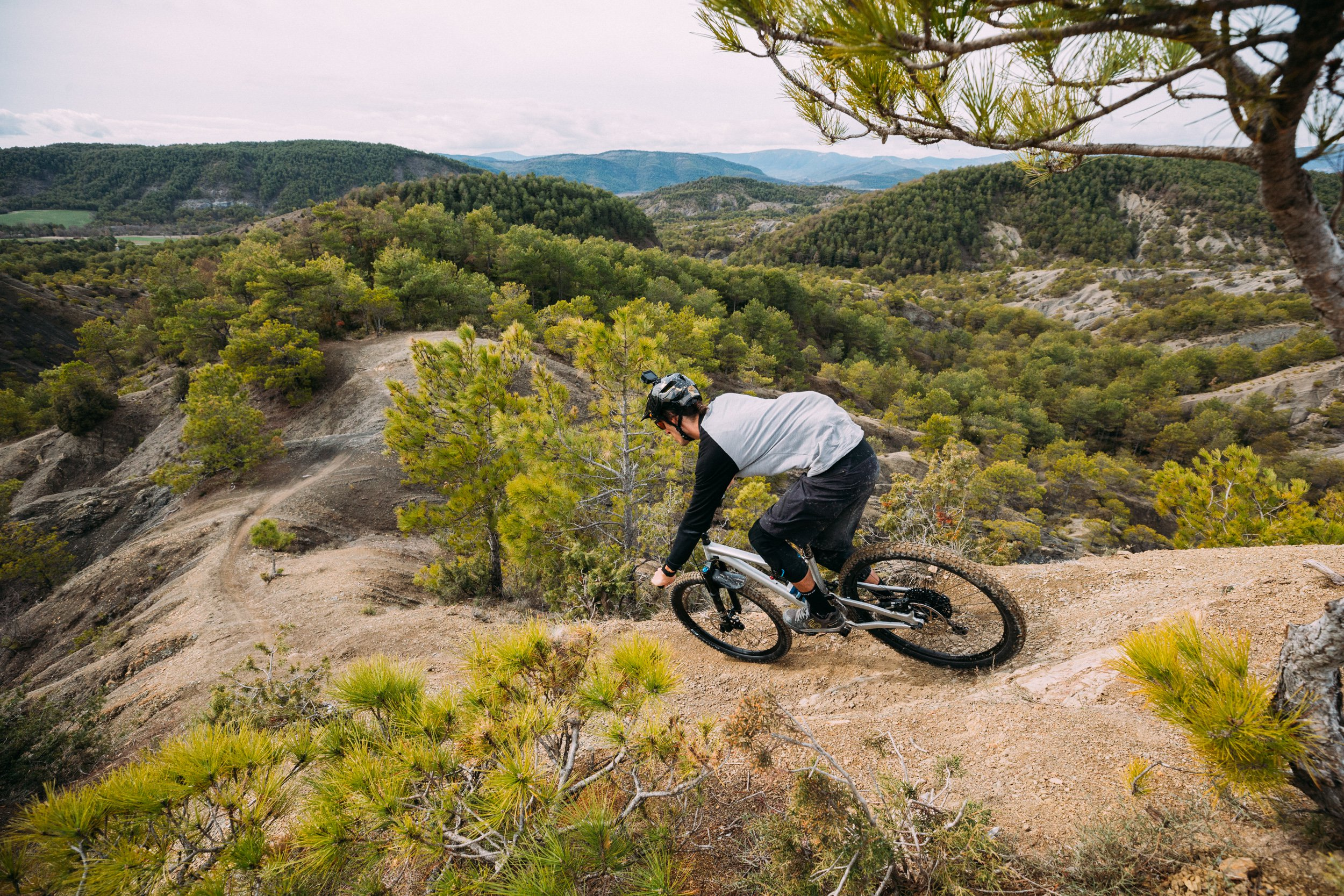 AJ Barlas riding the 2018 Specialized Stumpjumper Evo 29 in Spain