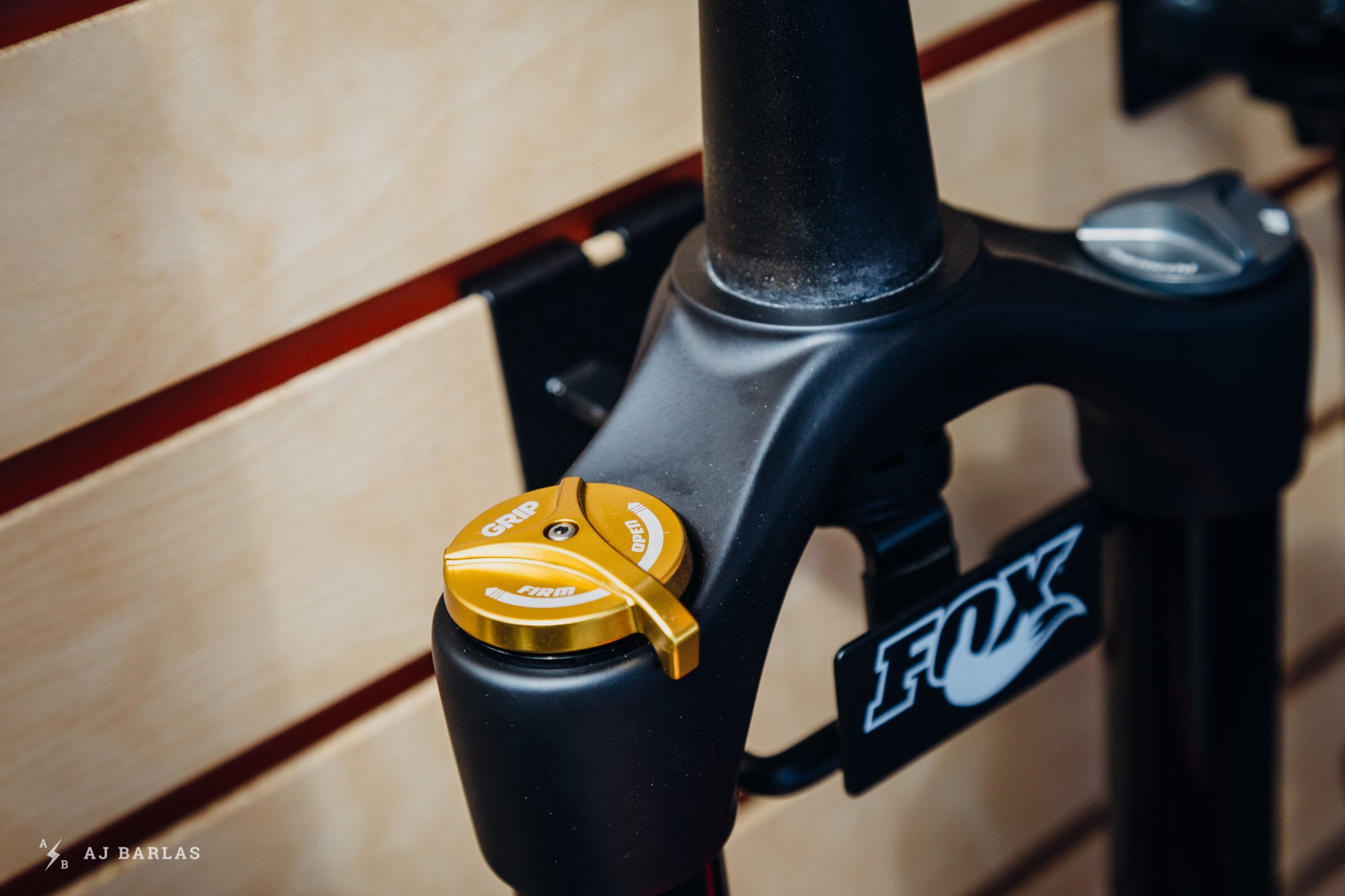 The Marzocchi Z1 uses the GRIP damper