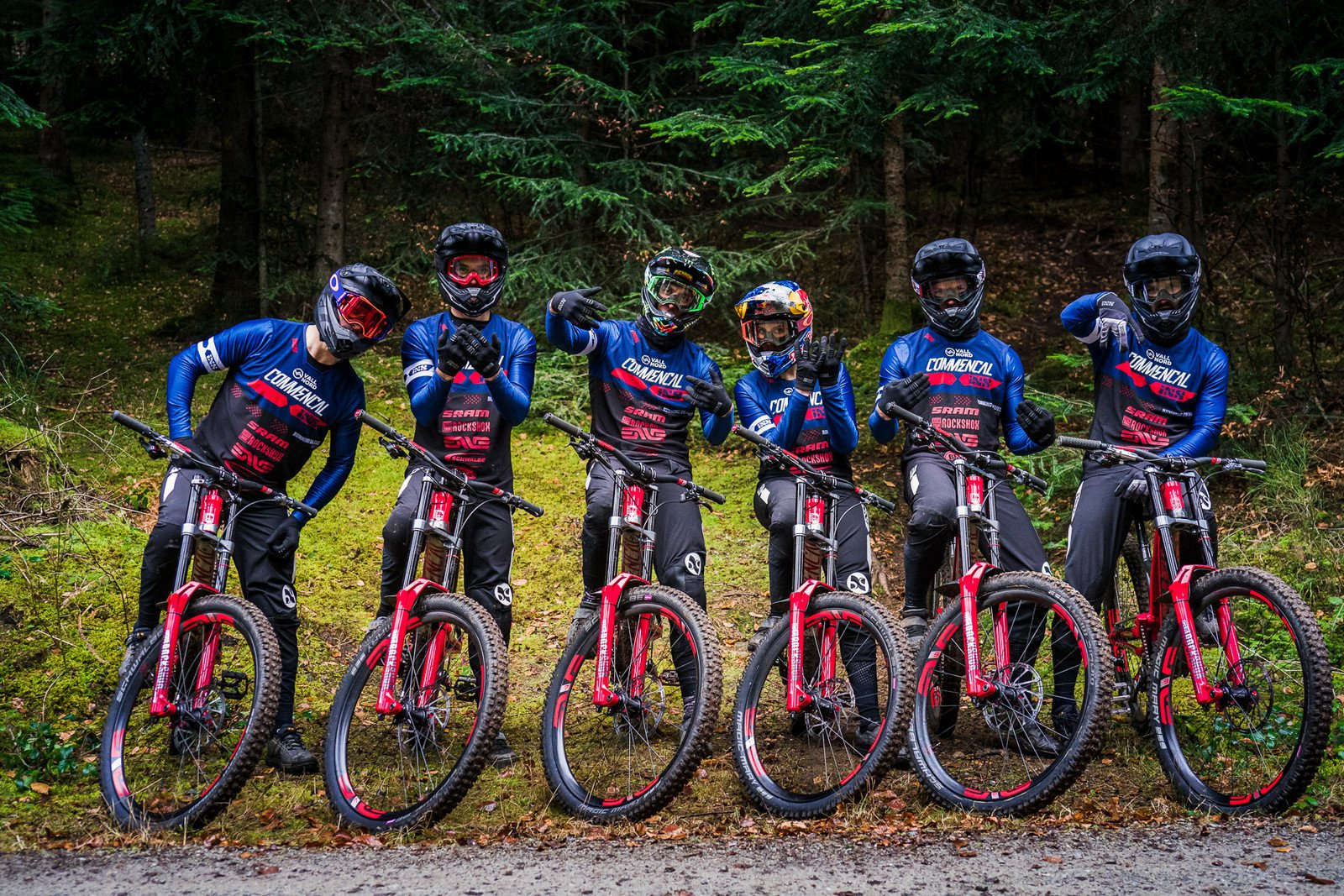 2019 Commencal Vallnord Team