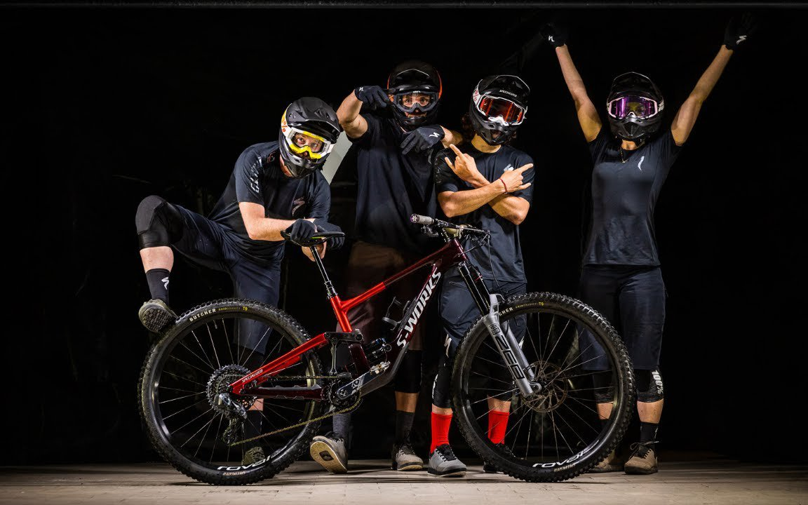 2021-specialized-enduro-world-series-team.jpg