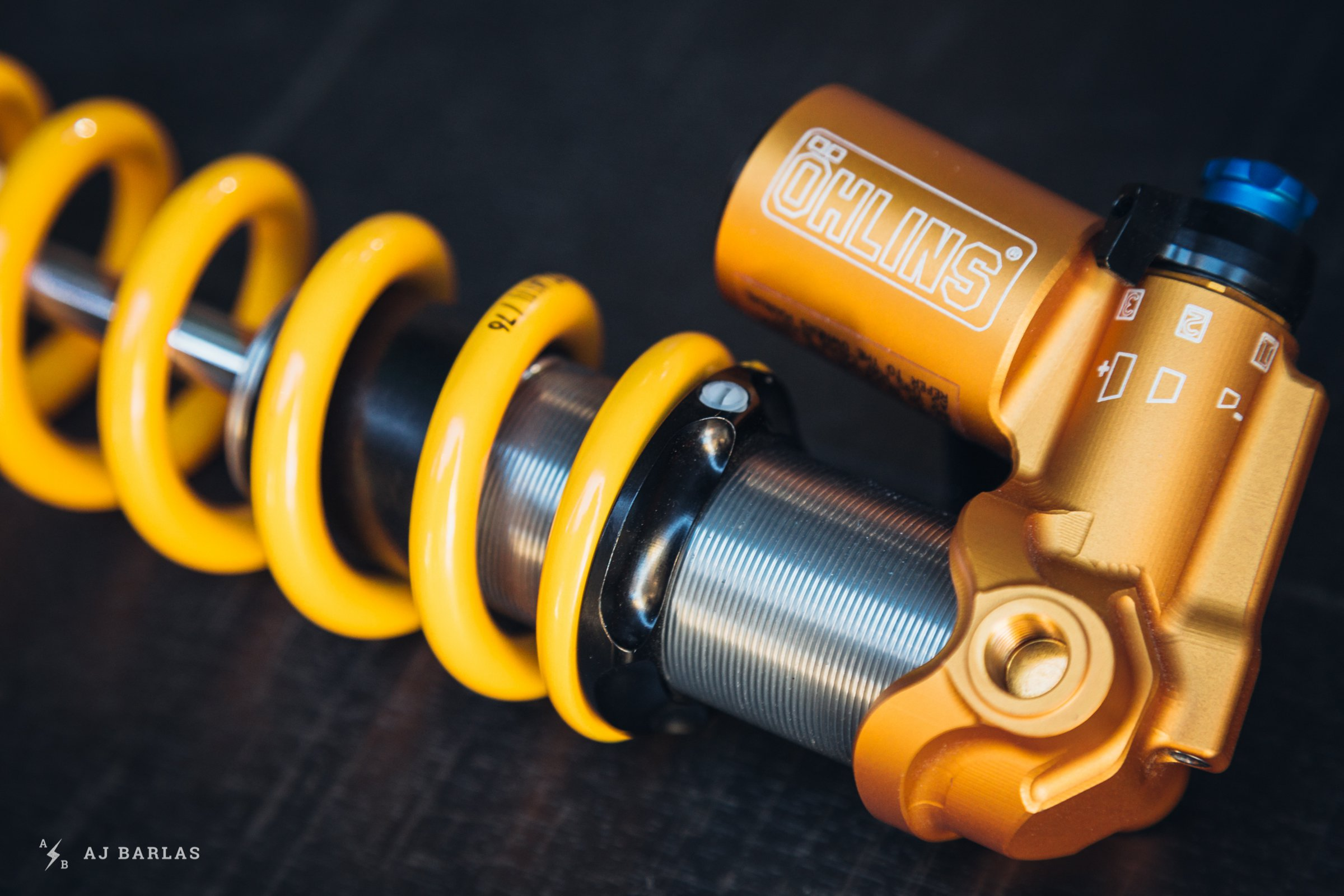 Öhlins updated shock collar with nylon grub screw