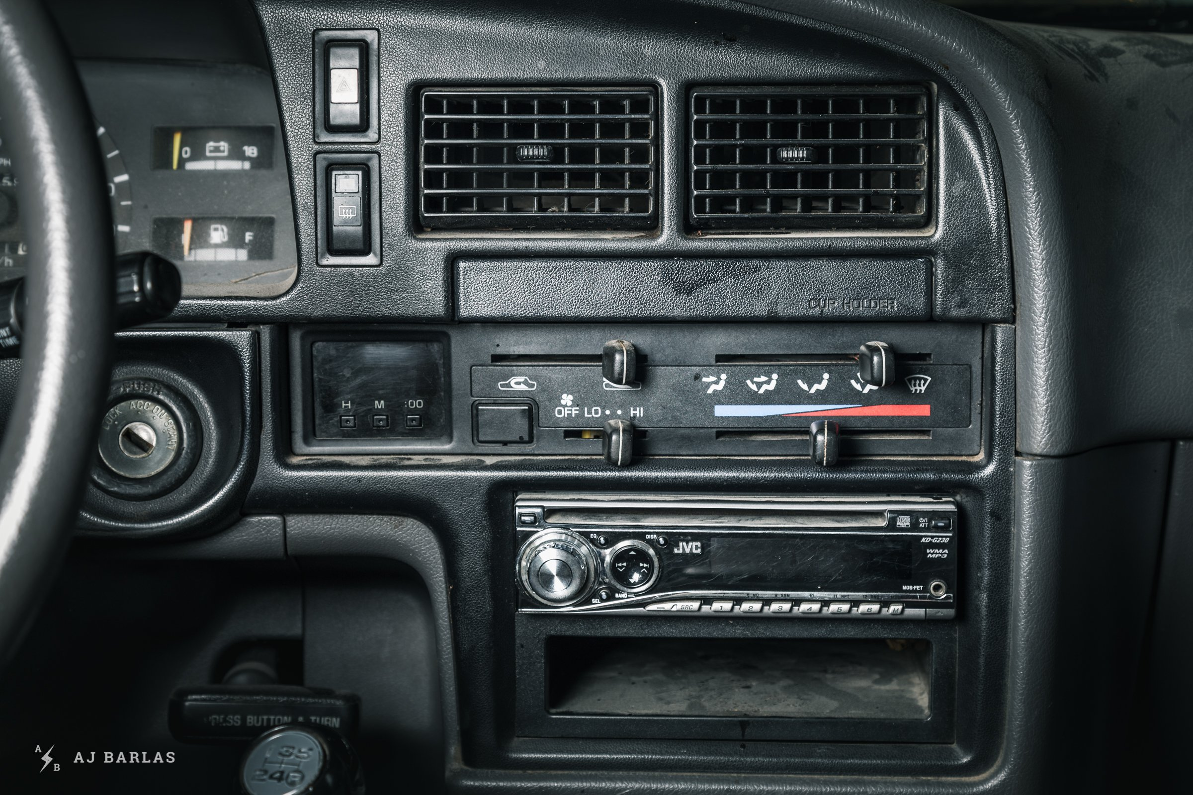 Owen Foster's Toyota 4Runner aftermarket stereo