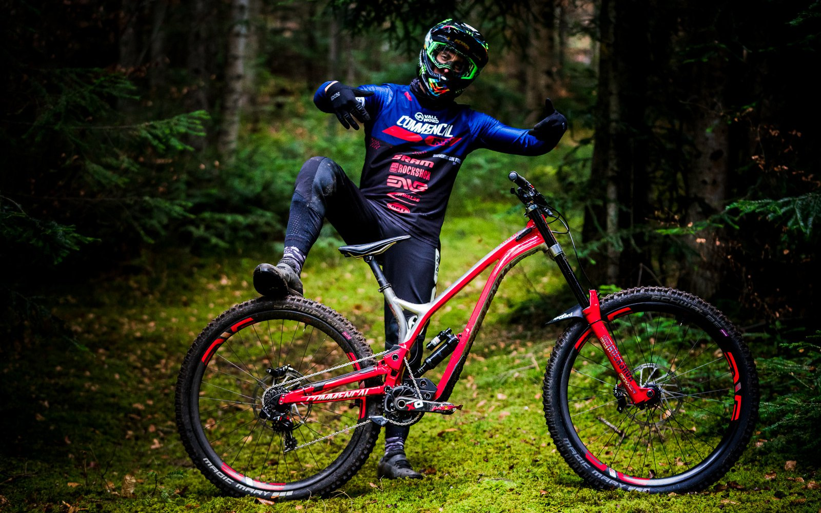 Amaury Pierron and his 2019 Commencal Supreme DH