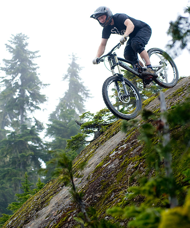 carbon V10, 2011, whistler, santa         cruz, steve peat, greg  minnaar
