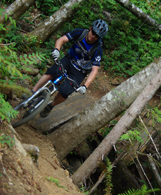 banshee spitfire review, 2010, andrew gower, mountain biking, nsmb, extreme, banshee