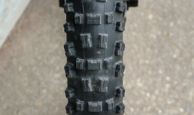 Front tire tread