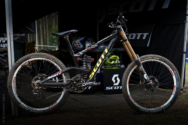 SCOTT Gambler prototype dh downhill racing world cup spy shots leaked