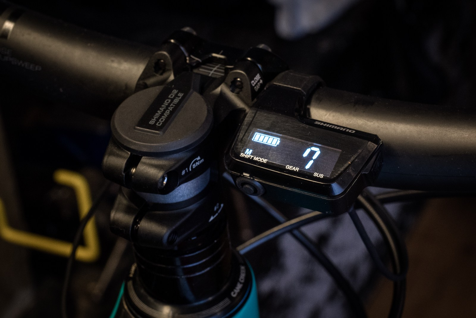 Shimano Di2 XT - first impressions shoot - display and steer tube