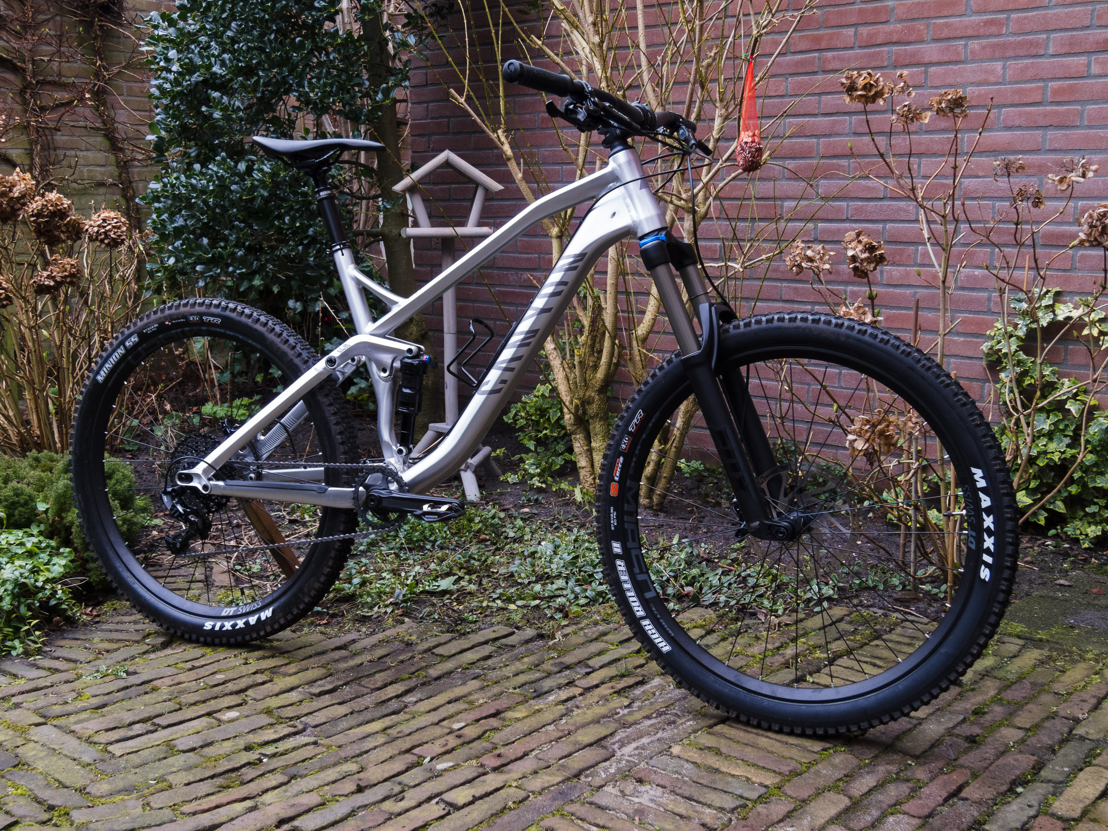 Canyon Spectral | Pimped rides and gear NSMB com photos